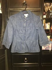 Women's jacket size medium  Calgary, T2A 7R1