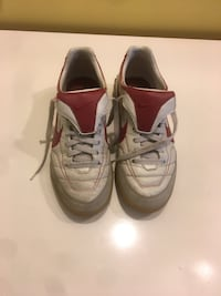 Indoor soccer shoes size 7