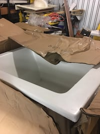 """Bath Tub in the Box 32""""x48"""" very good quality Rockville, 20850"""