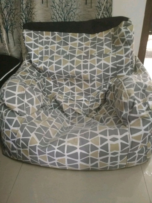 Orka bean bag with puffy