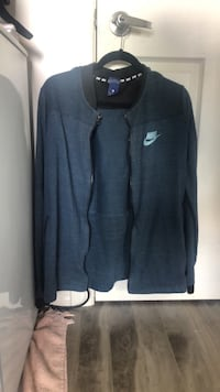 Nike summer tech fleece  Edmonton, T6X 0Z7