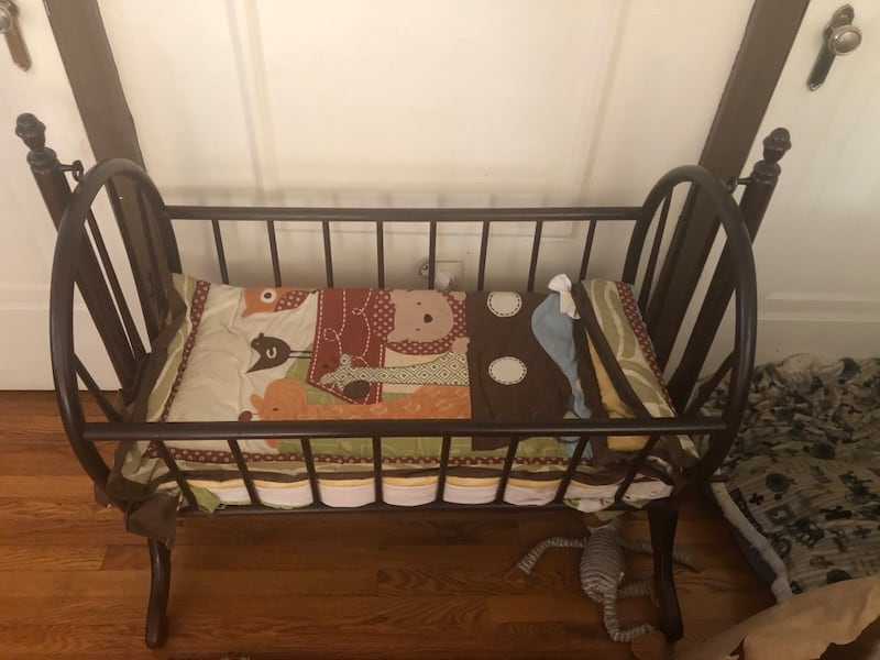 Bassinet wood rocker 0