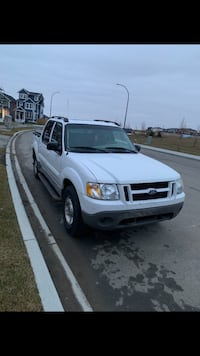 2003 Ford Explorer Sport Trac Airdrie