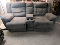 Double Recliner couch/separate oversized recliner Nashville, 37217