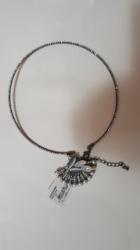 Choker Necklace null