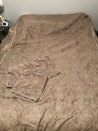 brown-and-gray floral bed comforter set Calgary, T2Z 4C8