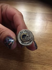St. Luis Rams NFL Ring Size 9.5 Sparks, 89434