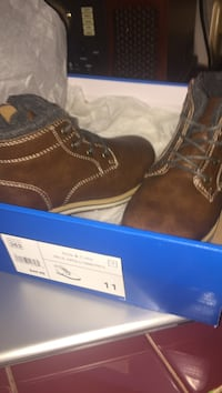 New pair of brown leather toddler boots size 11 Harvest, 35773