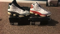White-and-red air jordan 13 shoes Romeoville, 60446