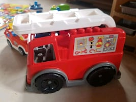 Mega blocks fire truck