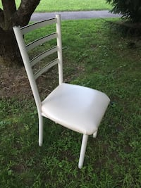 White metal chair, vinyl seat Phillipsburg, 08865