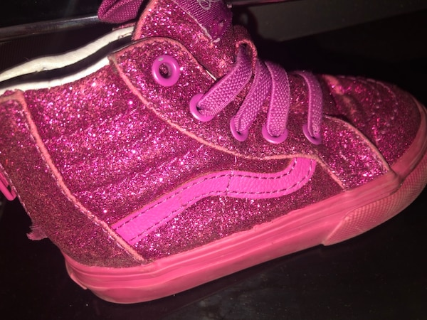 7f17ad5f8e8 Used pink and white Nike high top sneaker for sale in Oakland - letgo