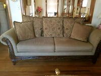Gold fabric loveseat and sofa very good shape  Dearborn, 48126