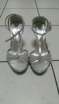 Ladies Shoes size 7 557 km