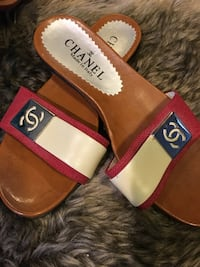 Chanel women's sandals size 7 Calgary, T2Y 3R6
