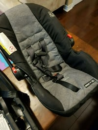 Graco car seat with base Mississauga, L5W 1L5