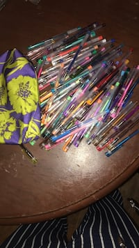 87 gel pens & case. Baltimore, 21236