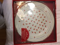 white and red fruit print decorative plate in box Laurel, 20723
