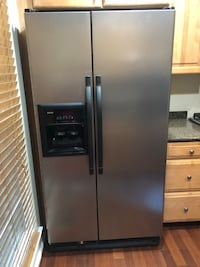 Kenmore side by side fridge with water dispenser  Alexandria, 22312
