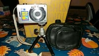 Old digital camera with tripod and case El Cajon, 92021