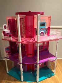 Barbie's dream house Beaconsfield, H9W 3T3
