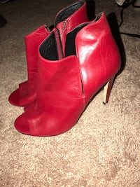 Red leather heels 7 1/2  Stafford, 22554
