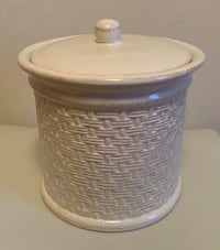 Brand new Ceramic Cookie / Rice / Flour / Sugar Jar New York, 11102