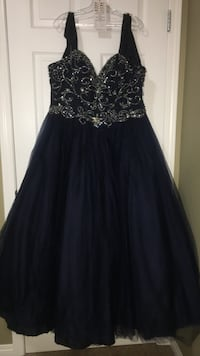 Navy blue gown Calgary, T3J 0H8