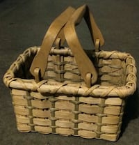 Special Wicker Basket with movable Handles