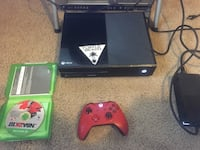 Xbox one console with controller and game case Temple Hills, 20748
