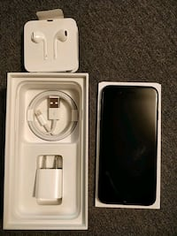 space gray iPhone 7 with box, 32gb Markham