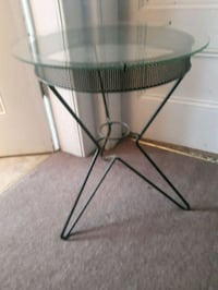 Round glass table obo