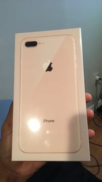 Brand new iPhone 8PLUS 64gb GOLD