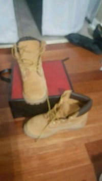 pair of brown suede boots timberland boots Westwego, 70094