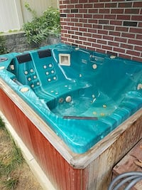 Brown Wooden And Teal Jacuzzi Pittsburgh, 15220