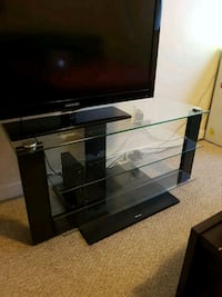 glass tv stand North Vancouver, V7M 1P1