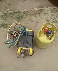 A C vacuum recovery pump and refrigrant tank Bakersfield, 93304