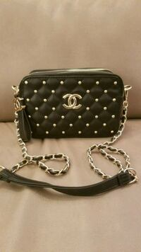 Chanel crossbody purse Montréal, H4P 2P5