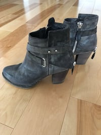 Pair of leather booties Terrebonne, J6V