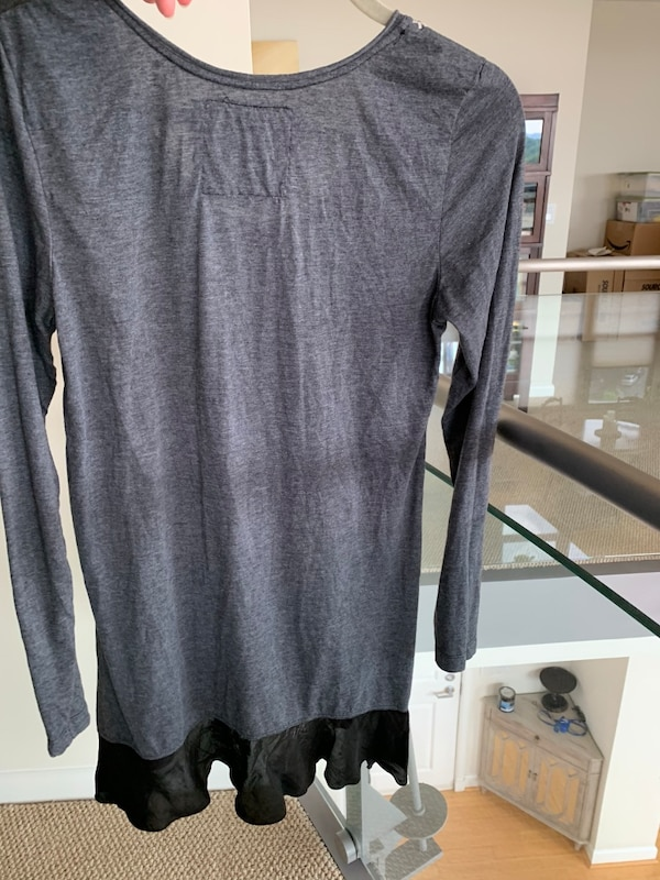 JWLA by Johnny Was - Long Sleeve Embroidered knit Charcoal Top with Flounce Medium M Med  2da0fb01-66d9-475d-b5c5-ea18e7c45dac