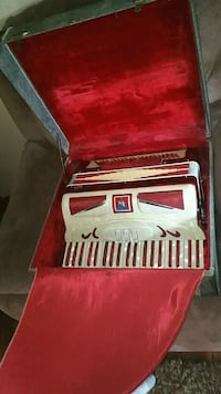red and white accordion  Columbus, 43223