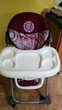 baby's white and red high chair Springfield, 97478