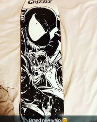 black and white Grizzly skateboard deck screenshot