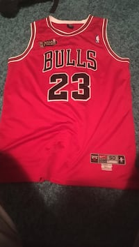red and white Michael Jordan Chicago Bulls away jersey shirt