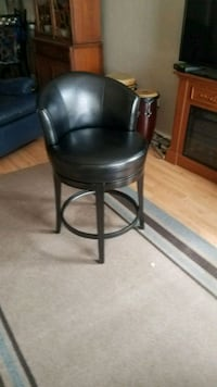 black leather padded bar seat Great Falls, 59401