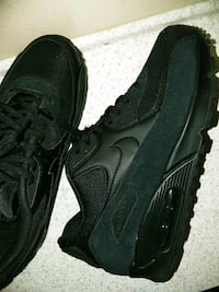 pair of black Nike Air Max shoes in box Jacksonville, 32221