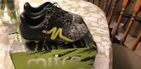 Boys soccer cleats (outdoor)