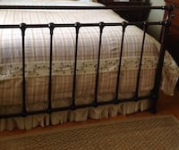 Duvet cover queen cotton, smoke and pet free home,excellent condition. Brossard, J4Y 2J7