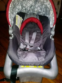 baby's gray and red car seat carrier Orlando, 32806