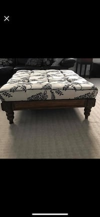 Coffee table Ottoman Toronto, M5N 1W6